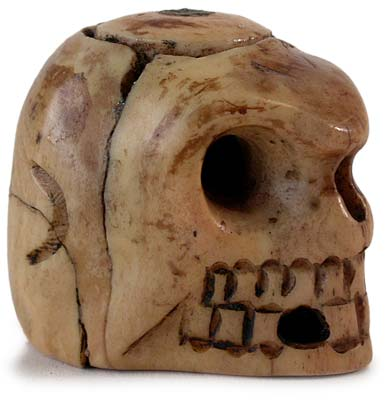18th Century Japanese Carved Skull Pill Box Netsuke