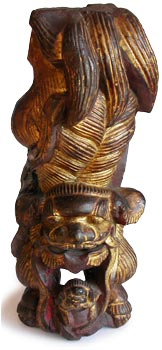 Gilt Foo Dogs Corbel
